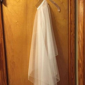 Beautiful Size 8 Wedding Gown